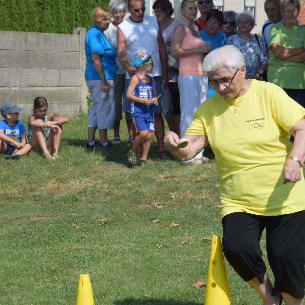 Športový deň s našimi seniormi