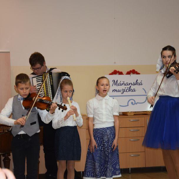 Máňanská muzička a Dolinka